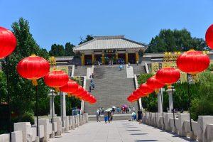 Xuanyuan_Temple_in_Yan'an,_Shaanxi_(1)